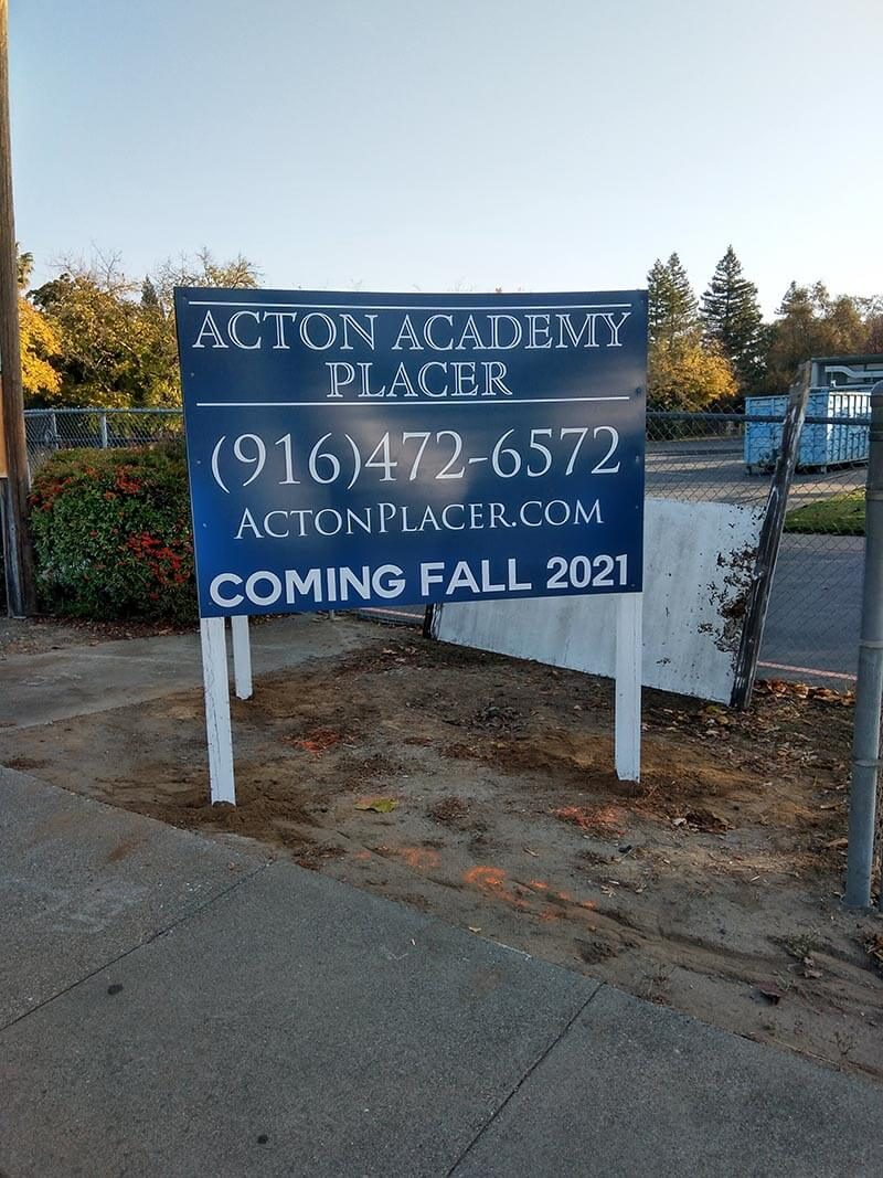 Outdoor Business Signs in Folsom