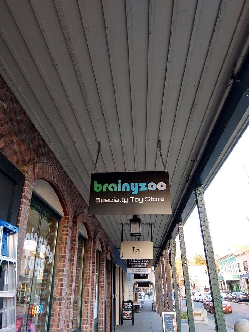 Get Custom Hanging Signs to Promote your Business